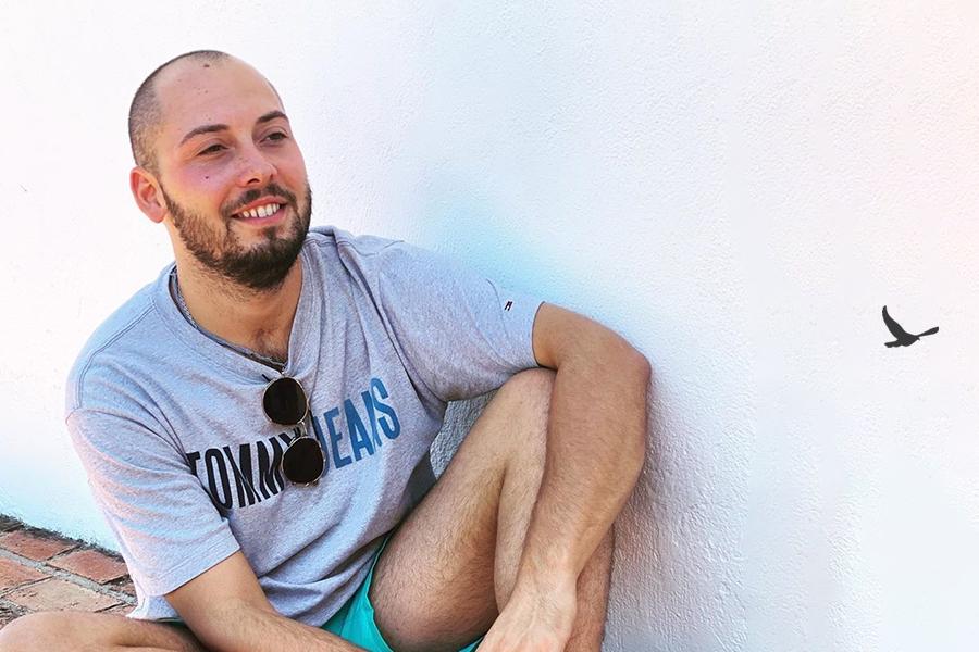 José Antonio Avilés se somete a un trasplante capilar en Livet