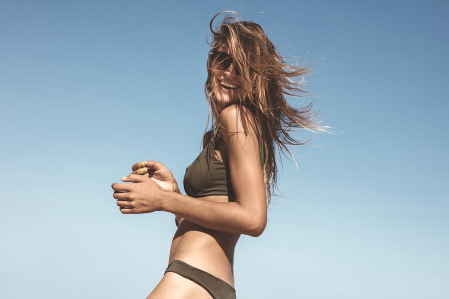 Los mejores cuidados para el cabello en verano